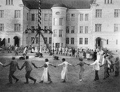 Midsommar fest på Nickby sjukhus, Sibbo, Finland. 1917.
