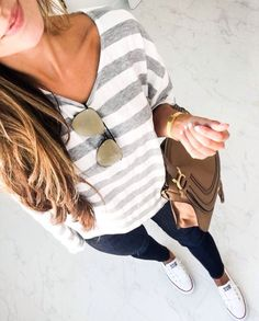 55 stylish spring outfits to wear with converse for women 2019 00070 ~ Litledress Mode Outfits, Casual Outfits, Fashion Outfits, Converse Fashion, Converse Style, Fall Winter Outfits, Spring Outfits, Jeans, Couture