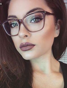 Glasses Makeup Fashion Make Up 19 New Ideas – Brille Make-up Cute Glasses, New Glasses, Girls With Glasses, Glasses Frames, Makeup With Glasses, Black Frame Glasses, Brown Glasses, Make Up Looks, Cat Eye Colors