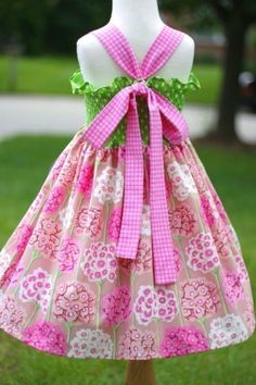sew your own twirly dress. if she's anything like me, we'll need about 100 of these.