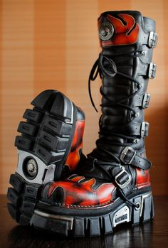 New Rock platform FLAME Reactor boots GOTH by VintagePlatformDeal
