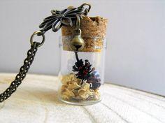 Romantic pine cones vial necklace nature inspired vial jewelry terrarium jewelry terrarium bridesmaid vial pendant terrarium vial necklace de FamDdaear en Etsy