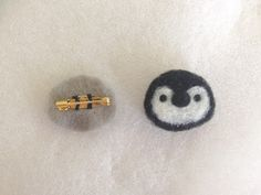 簡単!羊毛フェルトレシピ☆一緒にお出かけしたくなる♪Myブローチの作り方|LIMIA (リミア) Wool Felt, Felted Wool, Diy Pins, Needle Felting, Embellishments, Diy And Crafts, Unicorn, Mini, Stud Earrings