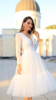Wedding Dress Bustle, Civil Wedding Dresses, Wedding Dresses For Girls, Wedding Party Dresses, Bella Dresses, Pretty Dresses, Beautiful Dresses, Elegant White Dress, Classy Dress