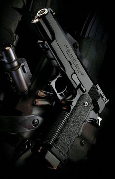 Wallpaper Arma, Armas Wallpaper, Mafia, Weapons Guns, Guns And Ammo, Armas Ninja, Military Guns, Cool Guns, Big Guns