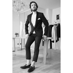 """#MANIFESTO ❤️🌹💍 #LOVE IS LIKE A #ROSE se caractérise avec un style #chic """"with a twist"""" qui permet de contourner le conformisme. @loveislikearose_paris #❤️🌹 @dormeuil1842 #🇫🇷. @charlesdelannoy_pro WEARS THE #SMOKING MAGNUS MIGUEL AND THE #TSHIRT DOUGLAS🕶🕶🕶. loveislikearose.fr 205, rue Saint-Honoré Paris 1er +33 01 42 61 36 09 ONLY BY APPOINTMENT 😙. #groom #wedding #groomsmen #dormeuil #madeinfrance #suit #luxury #menstyle #menfashion #dapper #costume #modehomme #sleepers #easystyle…"""