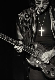 Toni Iommi .black Sabbath
