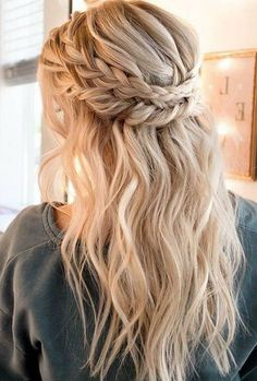 bridal dress Braided hairstyles for the wedding: 50 bridal hairstyles with braids frisuren haare hair hair long hair short Wedding Hairstyles Half Up Half Down, Braided Hairstyles For Wedding, Cool Hairstyles, Hairstyles 2018, Hairstyle Ideas, Bouffant Hairstyles, Beautiful Hairstyles, Cute Hairstyles For Prom, Braided Half Up Half Down Hair