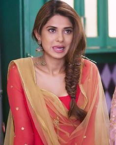 Look Your Absolute Best With These Beauty Tips Beautiful Bollywood Actress, Most Beautiful Indian Actress, Jennifer Winget Beyhadh, Tashan E Ishq, Indian Tv Actress, Jennifer Love, Stylish Girl, Indian Beauty, Hair Makeup