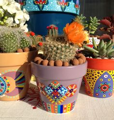 Painted flower pot pot cactus by on Etsy Painted Flower Pots, Painted Pots, Hand Painted, Pots D'argile, Clay Pots, Cactus Plante, Mexico Style, Terracota, Little Plants