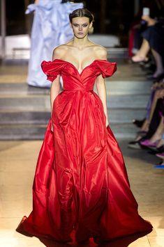 Carolina Herrera at New York Fashion Week Fall 2018 - Every Must-See Runway Dress at New York Fashion Week for Fall 2018 - Photos
