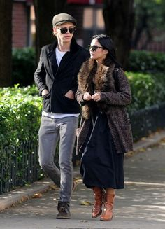 Vanessa Hudgens and Austin Butler Photos Photos - FOR USA SALES: Contact Randy Bauer (310) 910-1113 bauergriffinsales@gmail.com.FOR UK SALES: Contact Caroline 44 207 431 1598 MUST BYLINE: EROTEME.CO.UK.vanessa hudgens walking with austin butler in midtown new york city ./Users/mariomagnani/Desktop/vanessa-hudgensandboyfriendaustin-butler102112. - Vanessa Hudgens and Austin Butler in NYC