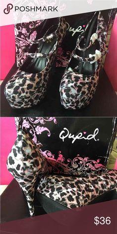 Qupid Multi Leopard Platform Brand Qupid. Black multi leopard fabric. Beautiful. Not true to size. Says 8-1/2 but should fit 7-8. Shoes Platforms