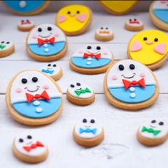 Galletas de mantequilla decoradas con fondant. Butter cookies decorated with royal icing.