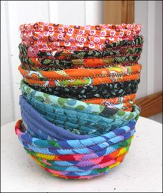 I love these coiled fabric bowls! I'd love to have some...