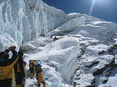 Mera Peak (6654m) and Amphu Laptsa - 24 days