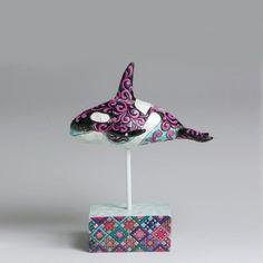 Jim Shore Whale Purples & Pinks 4004743 Jim Shore http://www.amazon.com/dp/B000NWSQEW/ref=cm_sw_r_pi_dp_i6yzub0BFP5QD