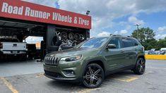 🔥Jeep Cherokee 🔥 20x8.5 MKW 124 Gloss Black Machine Face • 245/40-20 Toyo Extensa HP • Road Runner Wheels & Tires 1585 Roswell Road Marietta, Ga 30062 Tel: 866-967-8126 • #RoadRunnerWheels #GetLifted #Atlanta #wheelsandtires #jeep #toyo #wefinance #cherokee #saywhatitclears
