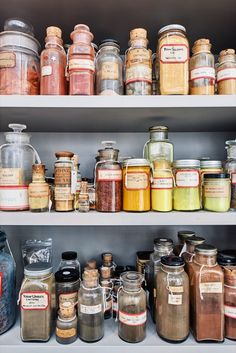 Inside the Forbes Collection, the Library That Holds the World's Rarest Colors - Artsy The Jewish Bride, Wimbledon College Of Art, Fresco, Homemade Watercolors, Homemade Paint, Earth Pigments, Nature Paintings, Nature Crafts, Color Inspiration
