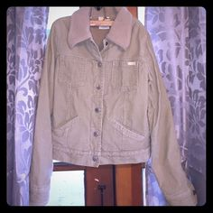 BillaBong Cord/w Fur Trim Jacket BillaBong Cord/w Fur Trim Jacket w Silver snap buttons/hardware w billabong engraved in buttons, 2 front pockets for keys & cellphone & card. Very Warm?!! (Worn 1 time for the ride home. Lol) Billabong Jackets & Coats