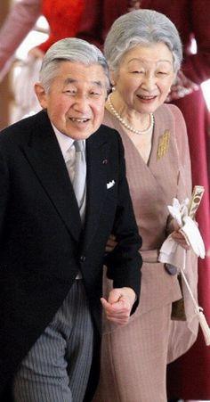 天皇皇后両陛下さま*