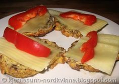 Kjernesunn Nordkvinne: Kjempegode lavkarbo rundstykker! Sweet Bread, Lchf, French Toast, Food And Drink, Low Carb, Baking, Breakfast, Ethnic Recipes, Low Carb Recipes