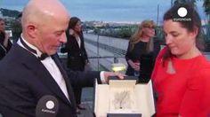 El francés Jacques Audiard gana la Palma de Oro en Cannes con 'Dheepan'