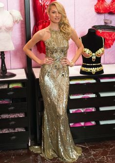 The Sweet and Sultry Dynamo: Candice Swanepoel This South African stunner frequently flips the script by seamlessly transitioning between sweet and sultry looks. Candice definitely shined back in November as she showcased the $10 million-dollar Royal Fantasy Bra at the Victoria's Secret flagship store in Manhattan wearing a seductive Zuhair Murad Resort 2014 golden gown.
