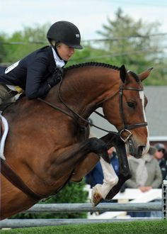 Photo by Meghan Blackburn  Although a rather new pair, Lillie Keenan and Don Stewarts Walk The Line bested the other junior hunters to take the grand junior hunter title, his third consecutive year taking the honor.