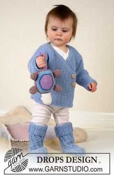 Chaqueta, calcetines, juguetitos y manta en Alpaca ~ DROPS Design