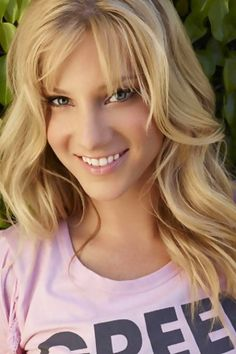 Heather Morris as openly bisexual/sexually ambiguous Brittany S. Pierce in Glee - love this picture of Heather! Heather Elizabeth Morris, Heather Morris, Glee Cast, Woman Crush, Girl Crushes, Beautiful People, Beautiful Ladies, Beautiful Eyes, Pretty People