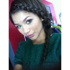 i love this braid! this is zendaya coleman, she is my hero, my rolemodel, and has the cutest style! love the braid zendaya!