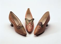 Art Nouveau ladies' shoes from 1904 - from the Bata Shoe Museum