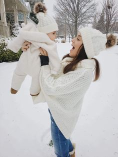 Matching mom and child hats are all the craze! These mom and me beanies are the perfect winter accessory for twinning in style. Mommy And Me Outfits, Girl Outfits, Baby Winter, Matching Outfits, Baby Pictures, Cute Babies, Clothes, Website, Parenting Tips