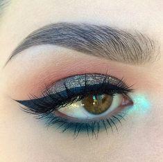 neutral smokey glittery eye + petrol liner + mint inner corner highlight | makeup