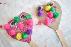 Silly Heart Puppets | 14 DIY Valentine's Day Crafts For The Kids