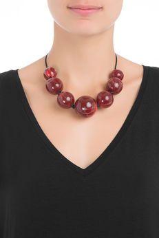 Colar Bolas - Vermelho Ceramic Jewelry, Wooden Jewelry, Beaded Jewelry, Handmade Jewelry, Colar Fashion, Fashion Necklace, Chunky Jewelry, Statement Jewelry, Maxi Collar