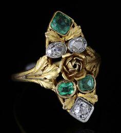 Bagues anciennes / Art nouveau / Bague ancienne Art Nouveau, or, diamant, émeraudes.