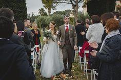 Y por qué no entrar juntos en la ceremonia? . . . . . . #closlaplana #weddingsart #winterwedding #weddingphotographer #fotografobodas #fotografodebodas #fotografobodasbarcelona #intimatewedding #bodaalairelibre