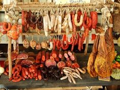 Hand-made miniature butcher's stall - Photos by lumaga.