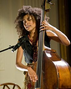 Esperanza Spalding And The White House House Band Jazz Artists, Jazz Musicians, Blues Artists, Music Love, Art Music, Esperanza Spalding, Jazz Radio, Musician Photography, Miles Davis