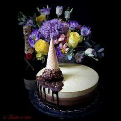 #troismousse #chocolate #valrhona #mousse #pastry #love #pastryismagic #bakedwithlove #paulamoldovan #livadacuvisini Mousse, Sweets, Chocolate, Cake, Desserts, Food, Tailgate Desserts, Deserts, Gummi Candy