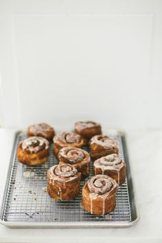 morning buns // whole milk eggs vanilla extract all purpose flour instant yeast sugar butter granulated sugar brown sugar oranges cream cheese confectioners sugar Baking Recipes, Cake Recipes, Dessert Recipes, Brunch Recipes, Breakfast Recipes, Delicious Desserts, Yummy Food, Tasty, Breakfast And Brunch
