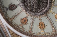 Gorgeous detailed ceiling in Topkapi Palace-Istanbul, Turkey
