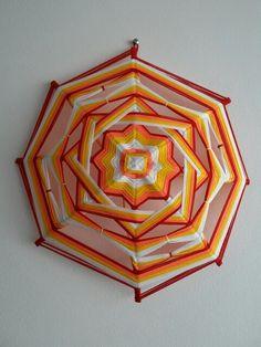 Mandala tejido, ojo de dios huichol
