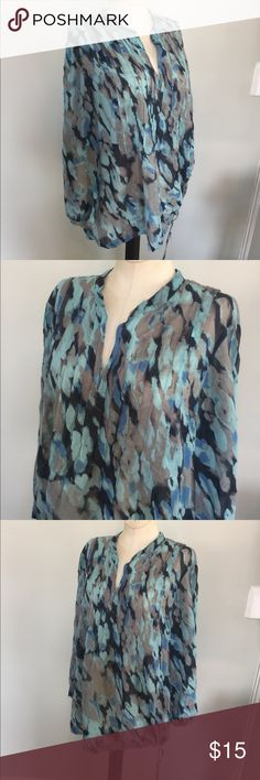 Calvin Klein Spring Top Nice condition/has been worn and washed a few times.Sz XL.My sister cut the tag out at the neck. Calvin Klein Collection Tops Blouses