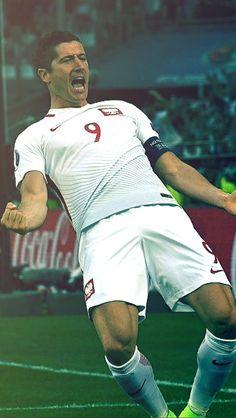 Robert Lewandowski, Perfect Legs, Rugby Players, Nike Football, Male Physique, Lionel Messi, Beautiful Legs, Munich, My Boyfriend