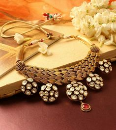 Indian Wedding Jewelry, Bridal Jewelry, Gold Jewelry, Jewelery, India Jewelry, Temple Jewellery, Jewelry Patterns, Jewelry Design, Fashion Jewelry