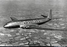 De Havilland Comet 1 a De Havilland Comet, Passenger Aircraft, Aircraft Pictures, Vintage Travel Posters, Gliders, Photo Art, Aviation, Military, Airplanes