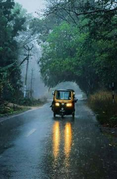 Raining in India Walking In The Rain, Singing In The Rain, Om Namah Shivaya, Rainy Night, Rainy Days, Rain Photography, Travel Photography, Love Wallpapers Romantic, Rain Music